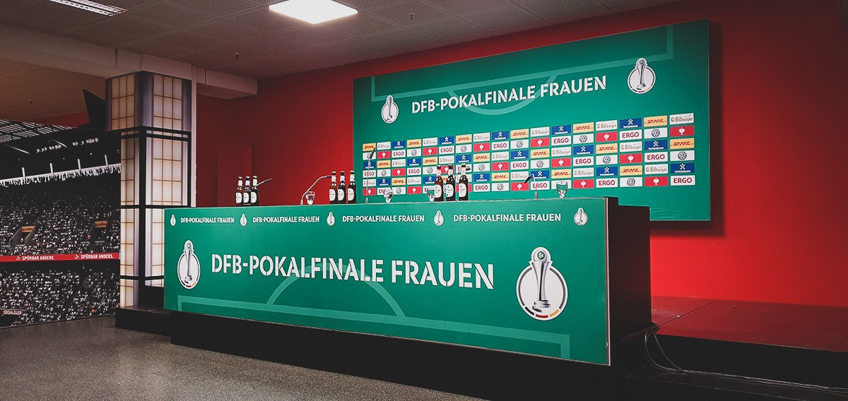 The press conference area before the DFB-Pokal der Frauen (German Women's Cup) final. (© CPD Football)
