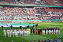 VfL Wolfsburg and SC Freiburg moments before the 2019 DFB-Pokal der Frauen (German Women's Cup) final at the RheinEnergieSTADION in Cologne. (© CPD Football)
