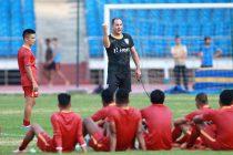 Indian national team head coach Igor Štimac during a training session at the Jawaharlal Nehru Stadium in Delhi. (Photo courtesy: AIFF Media)