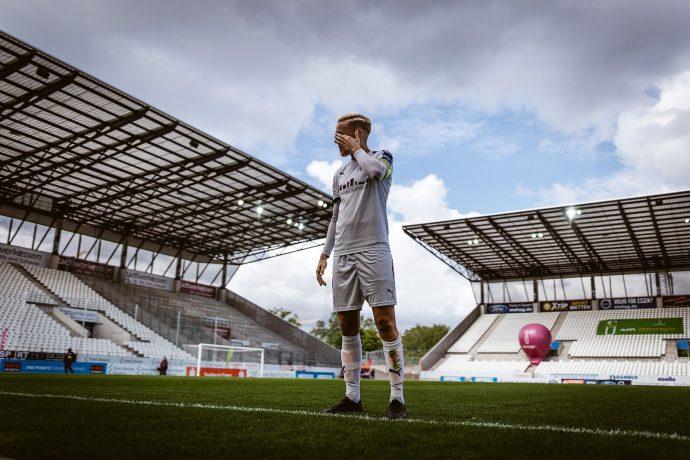 SGS Essen's Sarah Freutel moments after her final home game at the Stadion Essen. (© Oliver Hugo - www.oliver-hugo.de)