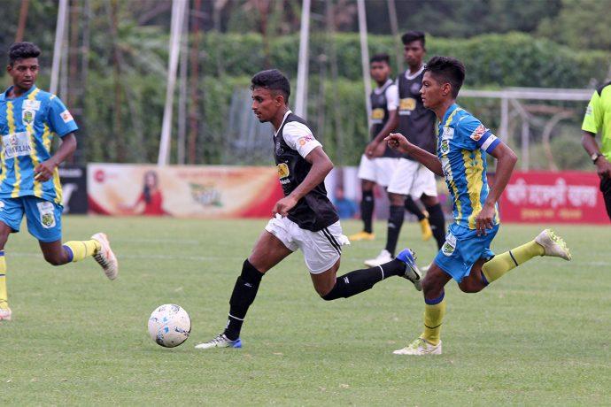 Mohammedan Sporting U-19's Sanjib Ghosh in action against Birbhum Nobles in a Zee Bangla Football League match. (Photo courtesy: Mohammedan Sporting Club)