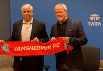 Jamshedpur FC Chairman and Vice President, Corporate Services, Tata Steel, Chanakya Chaudhar and head coach Antonio Iriondo Ortega. (Photo courtesy: Jamshedpur FC)