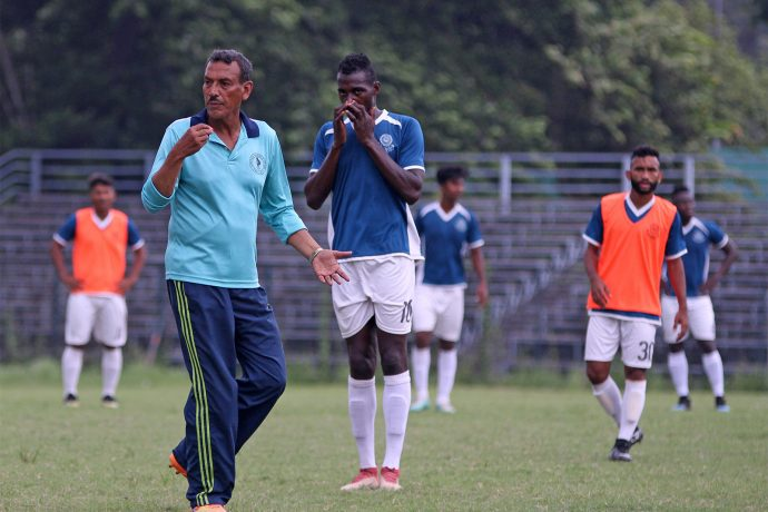 Mohammedan Sporting Club head coach Subrata Bhattacharya during a training session. (Photo courtesy: Mohammedan Sporting Club)