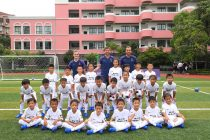 Tottenham Hotspur players Oliver Skipp, Jan Vertonghen and Harry Kane with kids from the Nike School Champions League in Shanghai, China. (Photo courtesy: Nike)