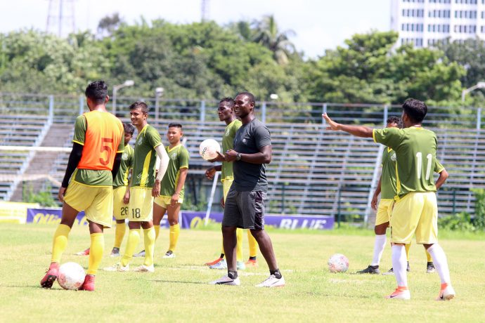 Mohammedan Sporting Club training session under head coach Saheed Sunkanmi Ramon. (Photo courtesy: Mohammedan Sporting Club)