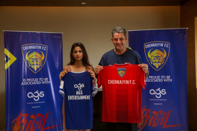 AGS Entertainment's Aishwarya Kalpathi and Chennaiyin FC head coach John Gregory. (Photo courtesy: Chennaiyin FC)