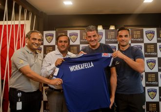 Chennaiyin FC Vice President Hiren Mody and Shray Rattha, Co-Founder & Director, Workafella unveiling the association, with head coach John Gregory and first team player Andre Schembri in attendance. (Photo courtesy: Chennaiyin FC)