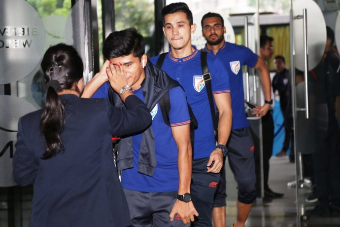 Indian national team players receiving a warm welcome at their arrival in Kolkata. (Photo courtesy: AIFF Media)