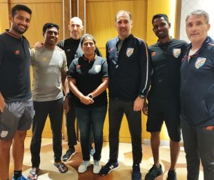 Indian MNT head coach Igor Štimac and India WNT head coach Maymol Rocky with various other India youth national team coaches. (Photo courtesy: AIFF Media)
