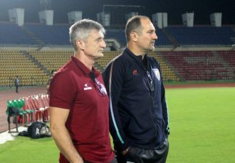 NorthEast United FC head coach Robert Jarni and Indian national team head coach Igor Štimac. (Photo courtesy: AIFF Media)