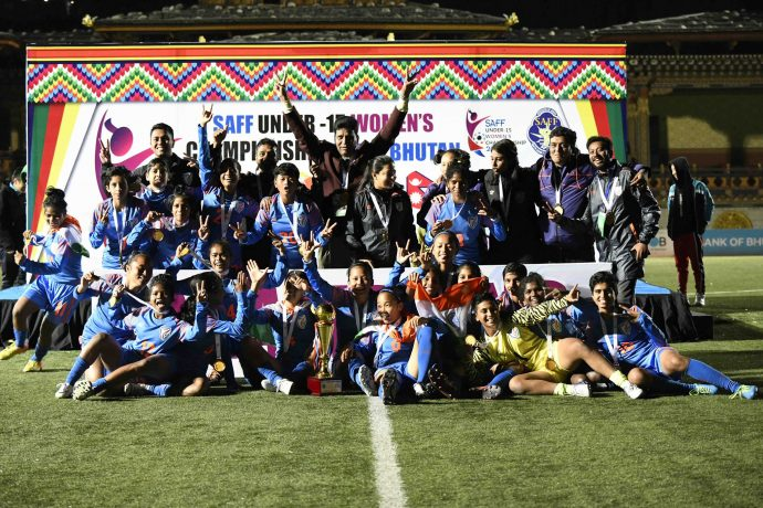 The India U-15 Women's national team players and officials celebrating the SAFF U-15 Women's Championship 2019 title. (Photo courtesy: AIFF Media)