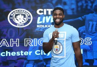 Manchester City Legend Micah Richards addressing the fans at Kolkata CityLive! (Photo courtesy: Manchester City FC)