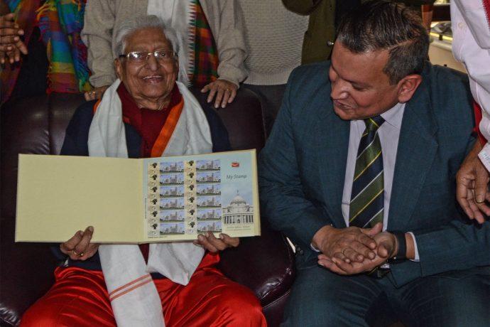 Indian Postal Department honours Chuni Goswami with commemorative stamp. (Photo courtesy: AIFF Media)