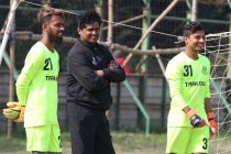 Mohammedan Sporting Club Technical Director Dipendu Biswas interacting with the goalkeepers during a training session. (Photo courtesy: Mohammedan Sporting Club)