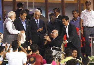 The Prime Minister of India Shri Narendra Modi felicitating Indian football legend Pradip Kumar Banerjee during the FIFA U-17 World Cup India 2017. (Photo courtesy: AIFF Media)