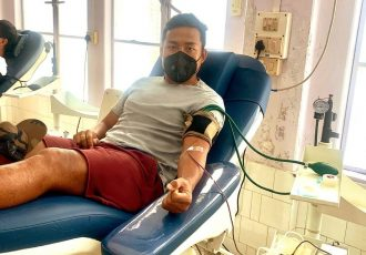 Indian national team striker Jeje Lalpekhlua donationg blood at the Synod Hospital in Durtlang, Mizoram. (Photo courtesy: AIFF Media)
