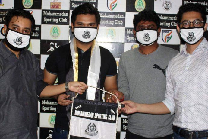 Mohammedan Sporting Club presentation of new head cpach Yan Law. (Photo courtesy: Mohammedan Sporting Club)