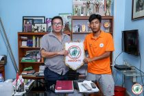 I-League side NEROCA FC presenting new signing Songpu Singsit. (Photo courtesy: NEROCA FC)