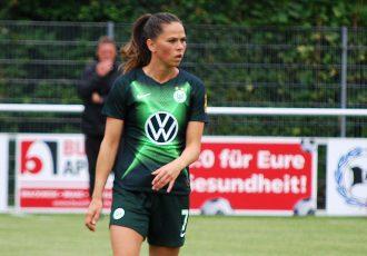 Sara Björk Gunnarsdóttir in action for VfL Wolfsburg. (Photo © CPD Football)