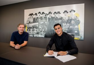 Borussia Dortmund's Sporting Director Michael Zorc and new signing Reinier. (Photo © Borussia Dortmund)