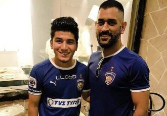 Indian National Cricket captain Mahendra Singh Dhoni (right) with Indian national team midfielder Anirudh Thapa. (Photo courtesy: Anirudh Thapa)