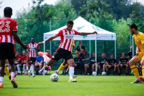 PSV's Cody Gakpo in action against KFC Uerdingen 05 in a pre-season friendly match at the Hotel-Residence Klosterpforte in Marienfeld, Germany. (Photo © CPD Football)