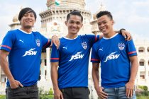 Udanta Singh, Sunil Chhetri and Suresh Wangjam present the new Bengaluru FC home kit by PUMA. (Photo courtesy: Bengaluru FC)