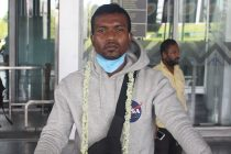 Munmun Timothy Lugun at the Kolkata Airport. (Photo courtesy: Mohammedan Sporting Club)