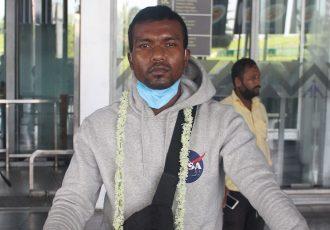 Munmun Timothy Lugun at the Kolkata Airport. (Photo courtesy: Mohammedan Sporting Club)