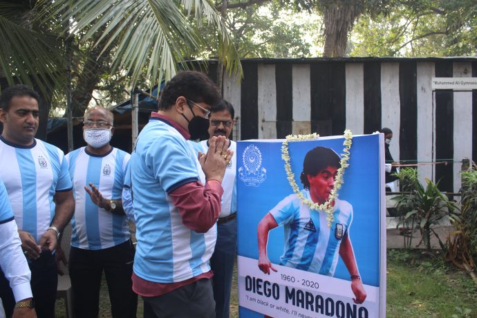 IFA General Secretary Joydeep Mukherjee and Mohammedan Sporting Club officials pay tribute to Argentina legend Diego Armando Maradona. (Photo courtesy: Mohammedan Sporting Club)
