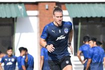 Bengaluru FC midfielder Erik Paartalu in training at the Dempo SC training facilities in Carambolim, Goa. (Photo courtesy: Bengaluru FC)