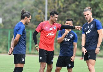Interim Head Coach Naushad Moosa and Bengaluru FC players in training at the Dempo SC training facilities in Carambolim, Goa. (Photo courtesy: Bengaluru FC)