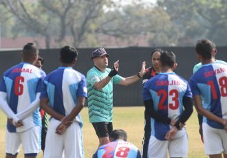 Mohammedan Sporting Club head coach Jose Hevia with his squad during a training session. (Photo courtesy: Mohammedan Sporting Club)