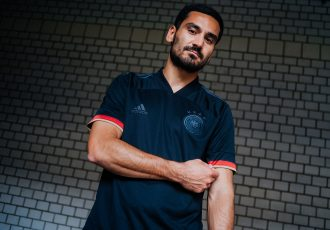Ilkay Gündogan presents the new Germany away kit by adidas. (Photo courtesy: DFB/adidas)