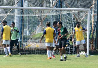 Mohammedan Sporting Club head coach Sankarlal Chakraborty and his squad during training. (Photo courtesy: Mohammedan Sporting Club)