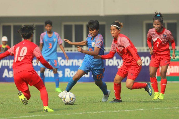Indumathi Kathiresan in action for the Indian Women's national team. (Photo courtesy: AIFF Media)