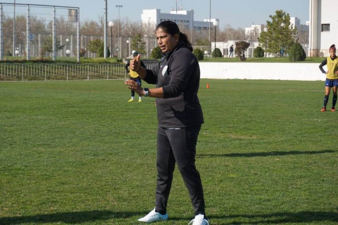 Indian women's national team head coach Maymol Rocky during training. (Photo courtesy: AIFF Media)