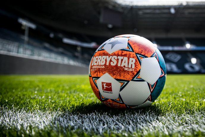 DERBYSTAR presents official match ball of the Bundesliga and Bundesliga 2 for the 2021-22 season: Bundesliga Brillant APS. (Photo courtesy: DERBYSTAR)