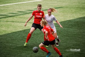 FSV Gütersloh 2009 players Isabelle Wolf and Nina Zimmer in action against Borussia Mönchengladbach. (© CPD Football)