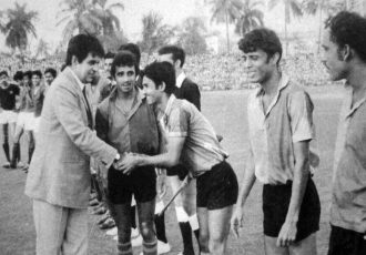 File picture of Dilip-Kumar's visit to the 1972/73 Rovers Cup. (Photo courtesy: AIFF Media)
