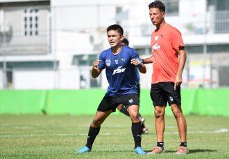 Bengaluru FC skipper Sunil Chhetri and head coach Marco Pezzaiuoli in training. (Photo courtesy: Bengaluru FC)