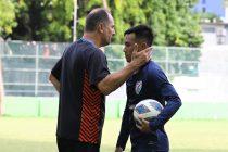 Indian national team head coach Igor Štimac and winger Udanta Singh. (Photo courtesy: AIFF Media)