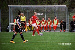 FSV Gütersloh 2009's Maren Marie Tellenbröker in action against DSC Arminia Bielefeld. (© CPD Football)